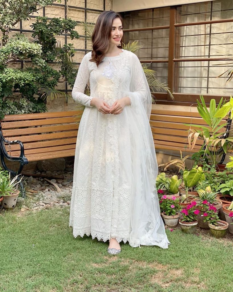 Eastern Outfits of Sana Javed You might Consider for EID - 2020