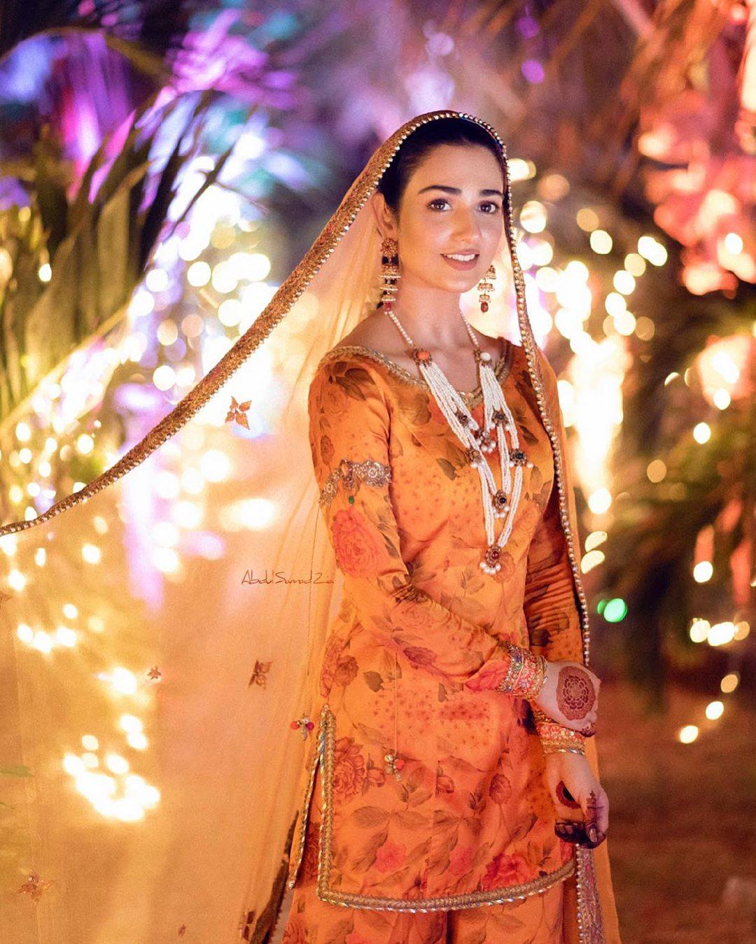 Sarah Khan and Falak Shabbir New Clicks from their Mehndi
