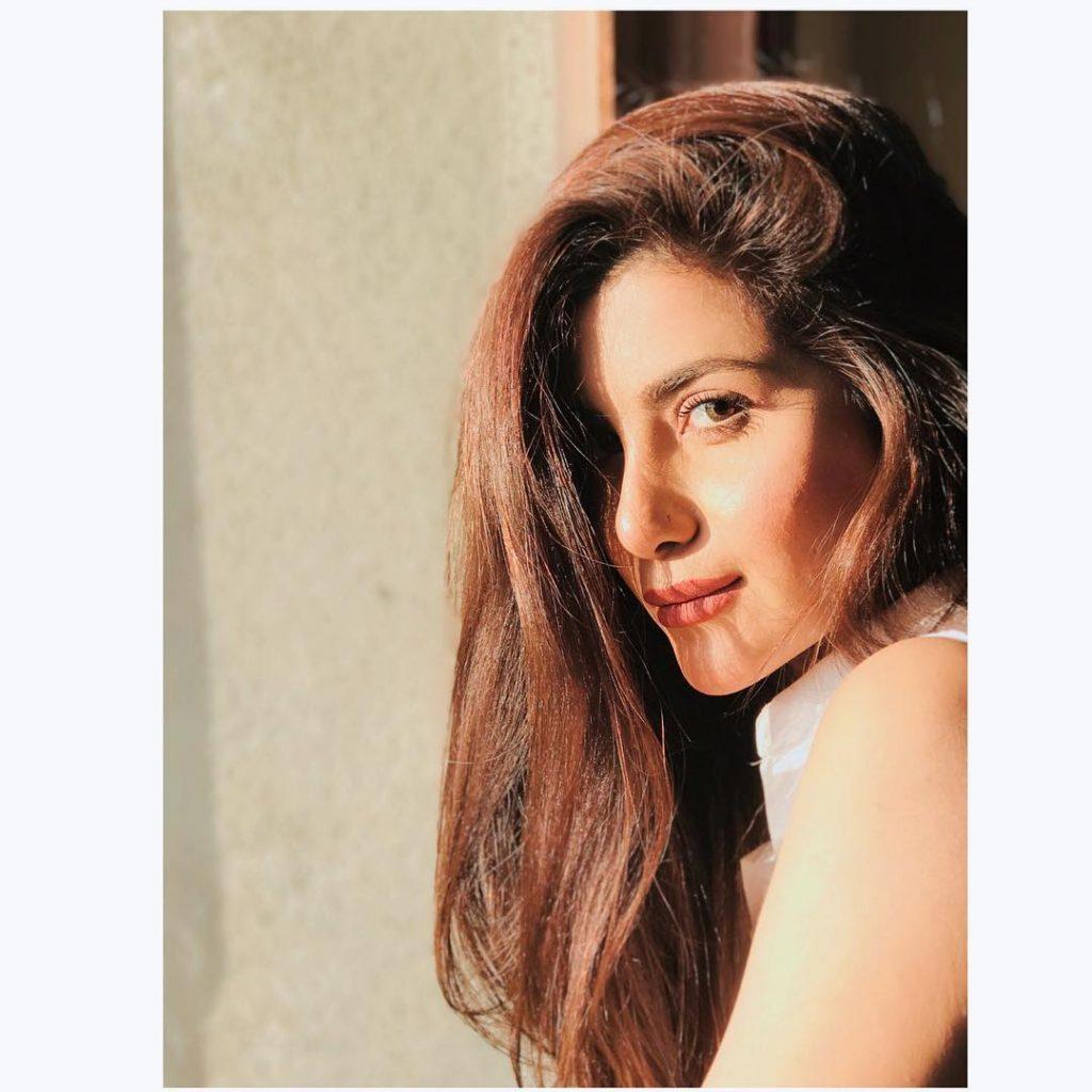 Latest Stylish Pictures of Sohai Ali Abro