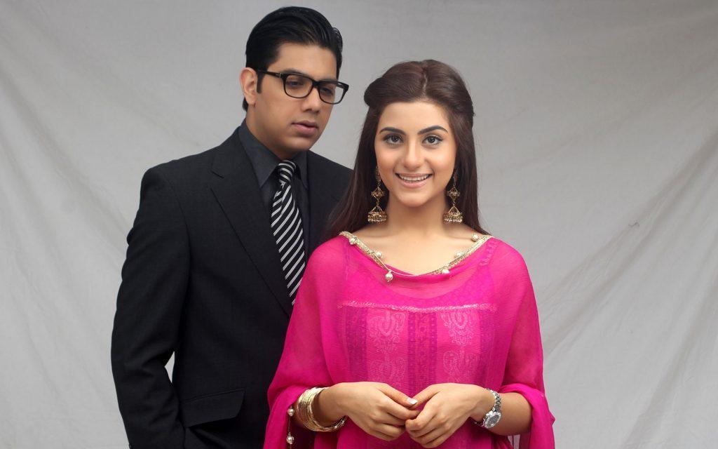 Social Media Claims Junaid Khan Drama Kasak Is A Copy Of Old Pakistani Drama Tanhai