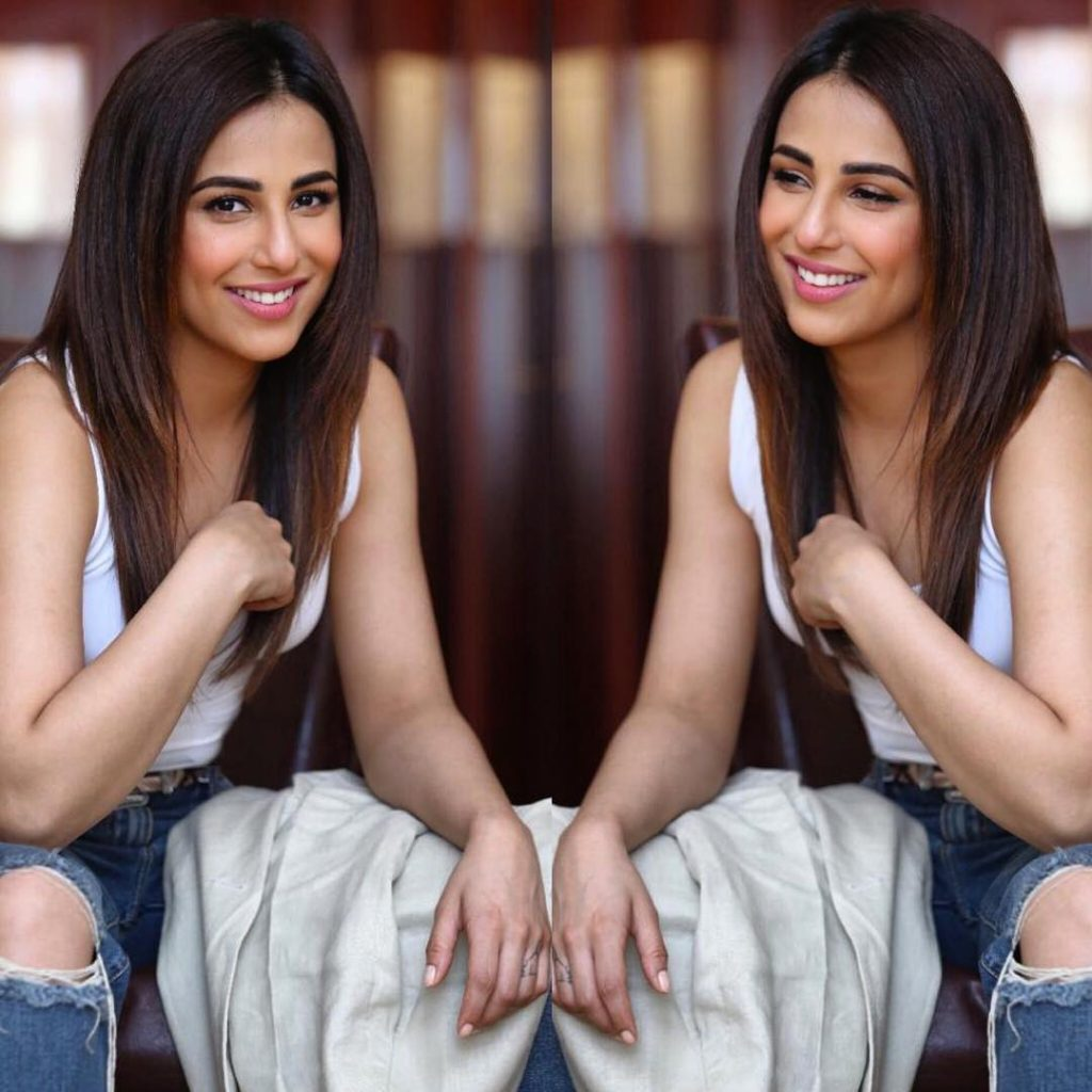 Beautiful Pictures of the Bold Ushna Shah in White Color