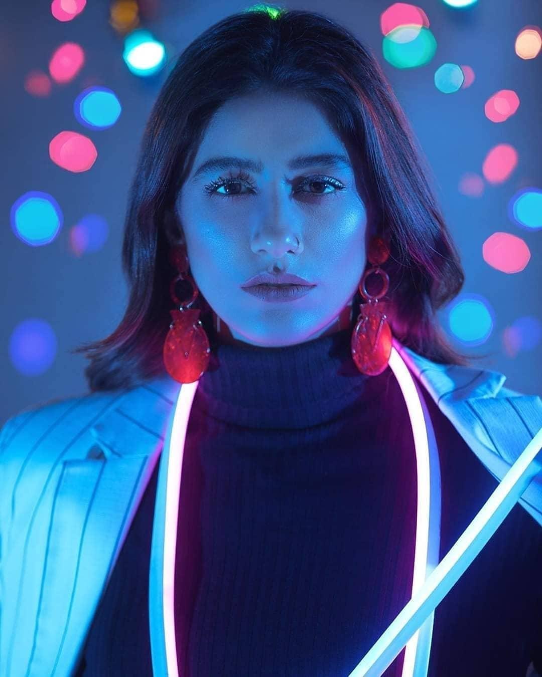 Syra Yousaf Latest Stylish Photo Shoot