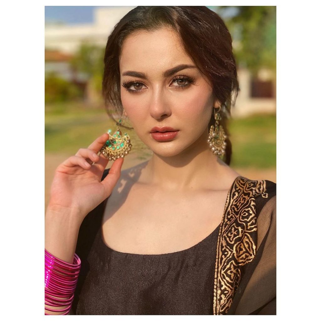 Hania Amir Looks Magnificent In Latest Shoot | Reviewit.pk