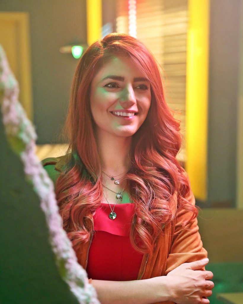 40 Amazing Pictures of Momina Mustehsan