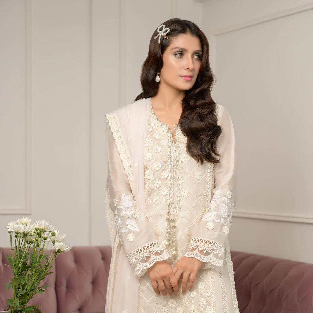 Ayeza Khan is Looking Gorgeous in her Eid Day 3 Pictures