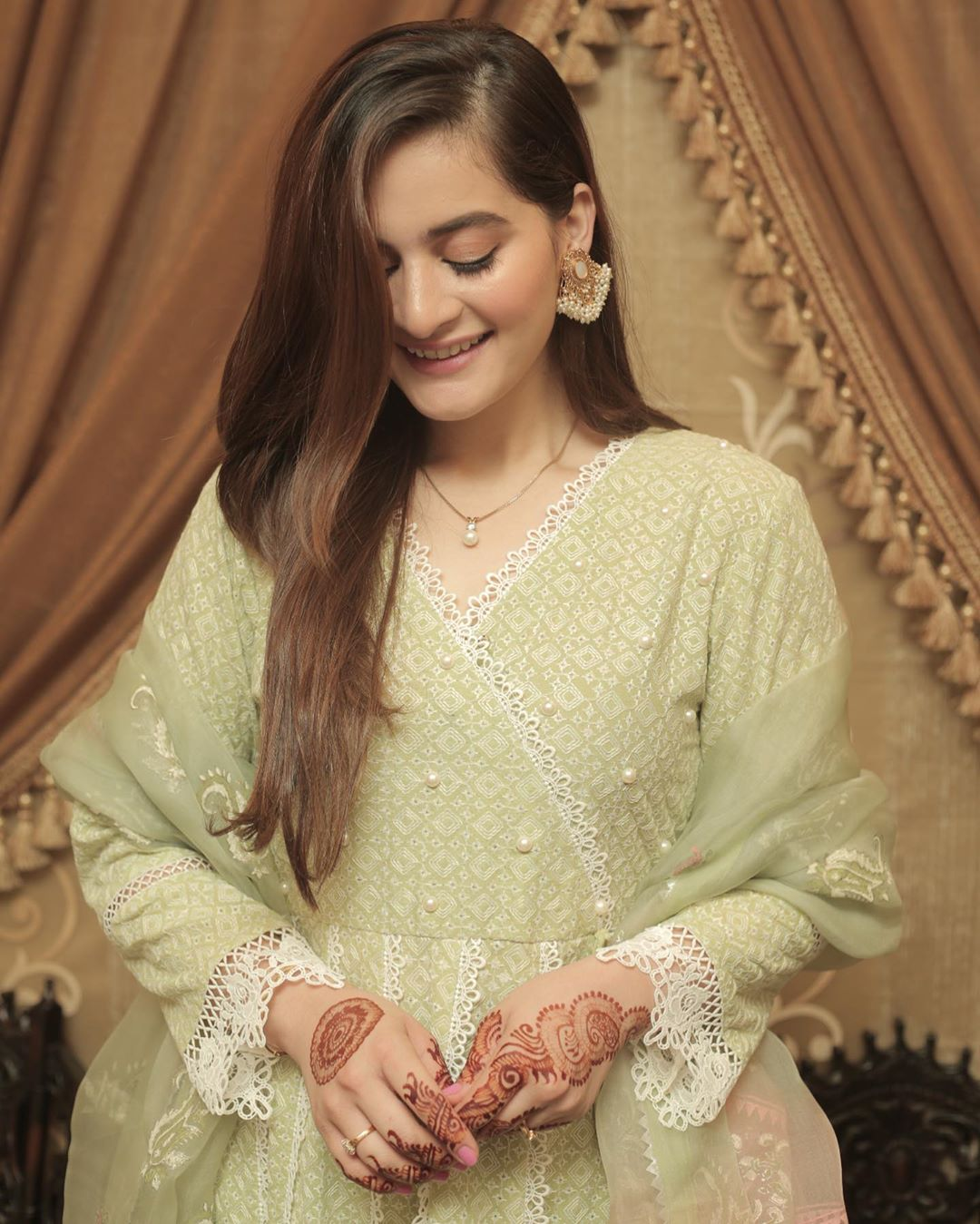Aiman Khan and Muneeb Eid ul Adha Pictures with Daughter Amal