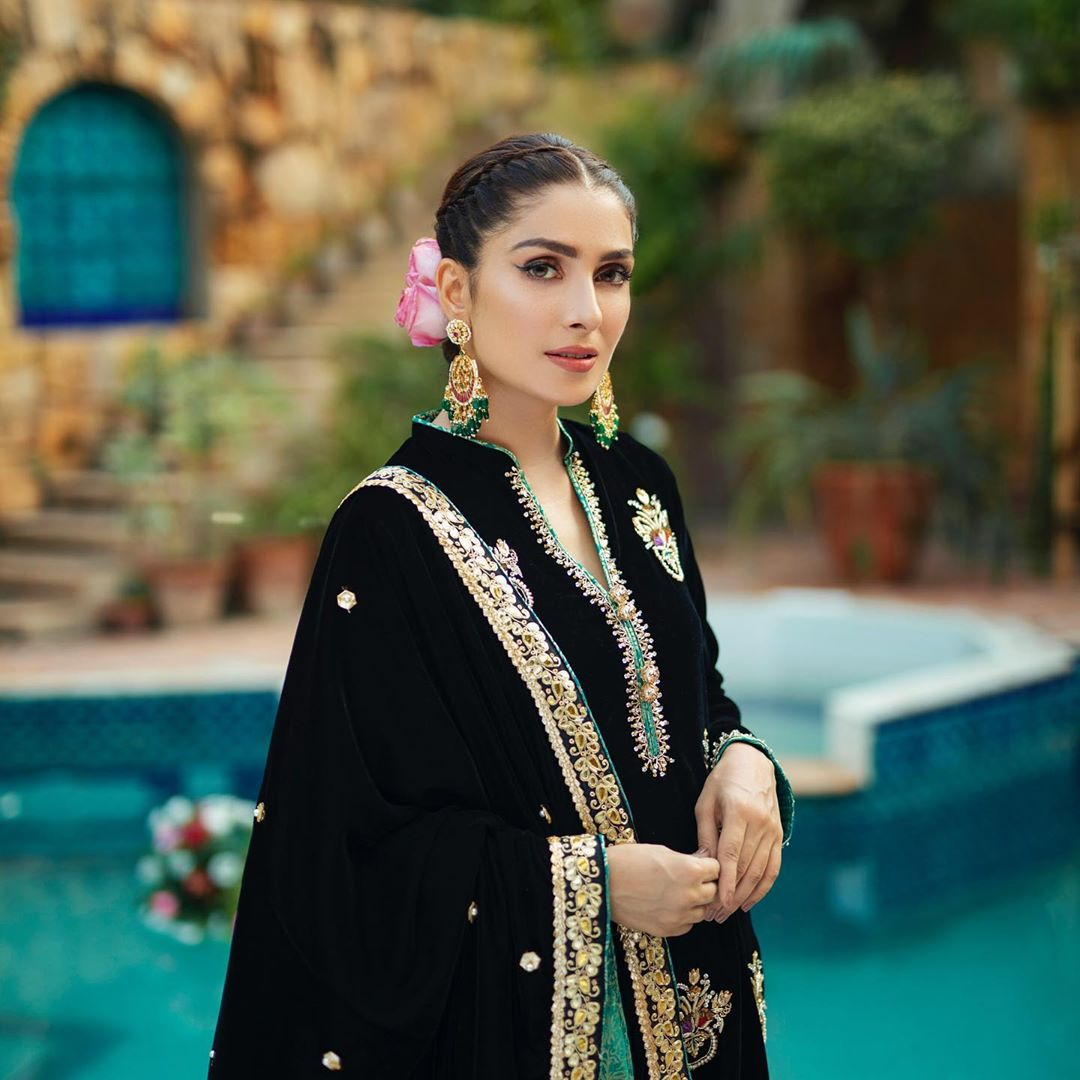 Ayeza Khan is Looking Gorgeous in this Black and Green Dresses by RJ's Pret