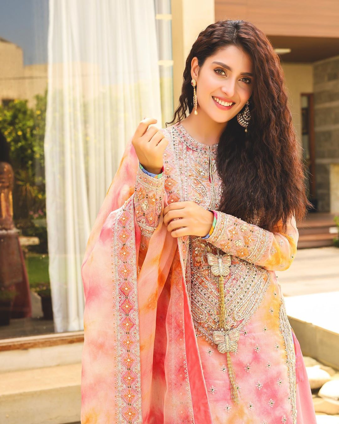 Ayeza Khan looking Gorgeous in Eid Day 2 Pictures