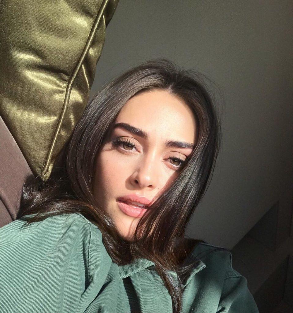 Turkish Star Esra Bilgic In Latest 4G Ad