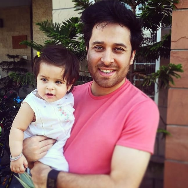 Actor Haroon Shahid New Pictures with his Family
