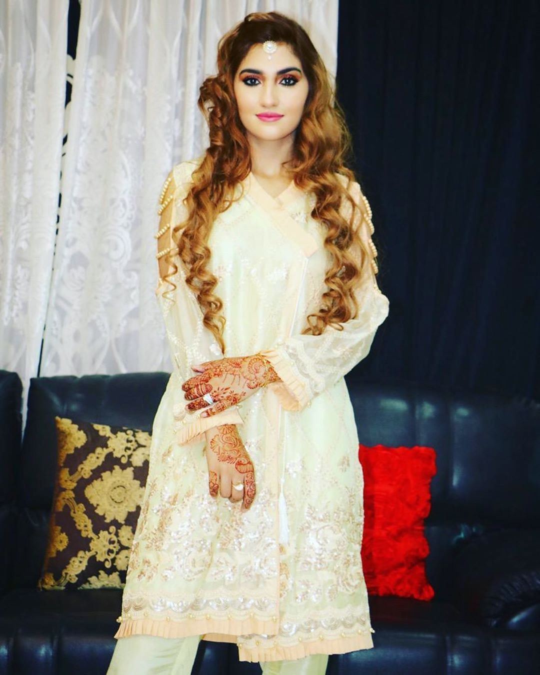 Eid Pictures of Cricketer Hassan Ali with his Wife Samya Khan