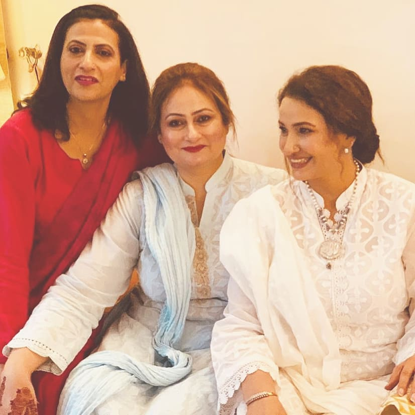 Here Are Happy Pictures Of Saba Faisal With Her Family 10