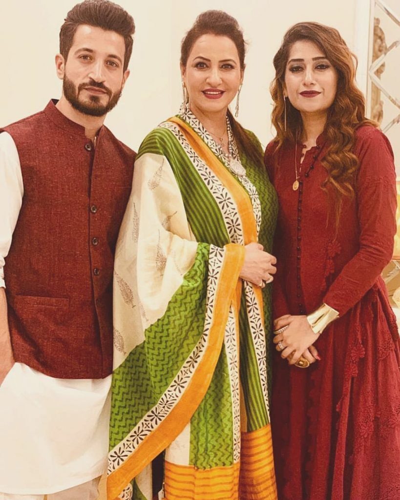 Here Are Happy Pictures Of Saba Faisal With Her Family 8