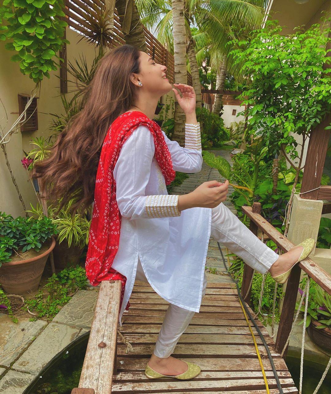 Beautiful Couple Hina Altaf and Agha Ali Latest Clicks
