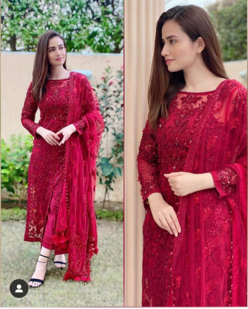 Sans Javed Looking Stunning In Rosy Red Dress