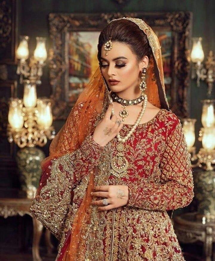 Minal Khan Looks Extraordinarily Stunning In Bridal Shoot