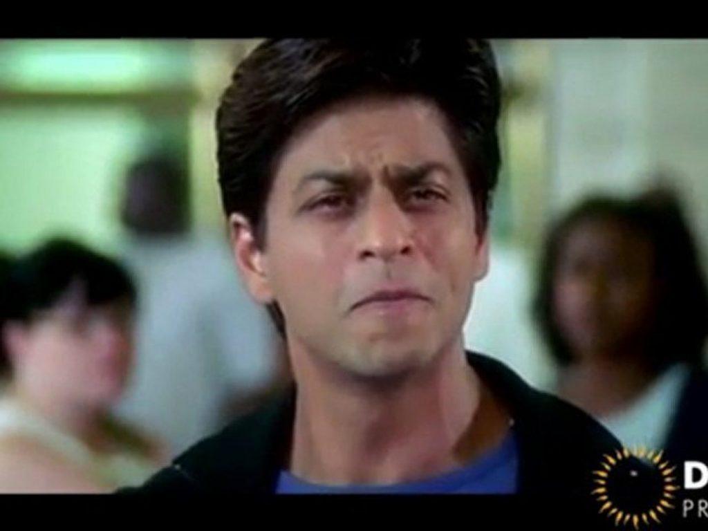 Momin Saqib Hilariously Mimics Shah Rukh Khan