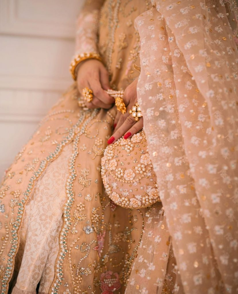Pictures Of Mawra Hocane In Gorgeous Wedding Wear