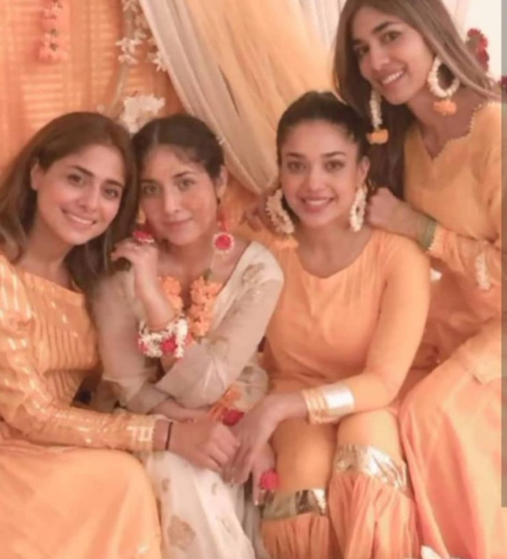 Pictures Of Sanam Jung With Sisters At Her Sister's Wedding