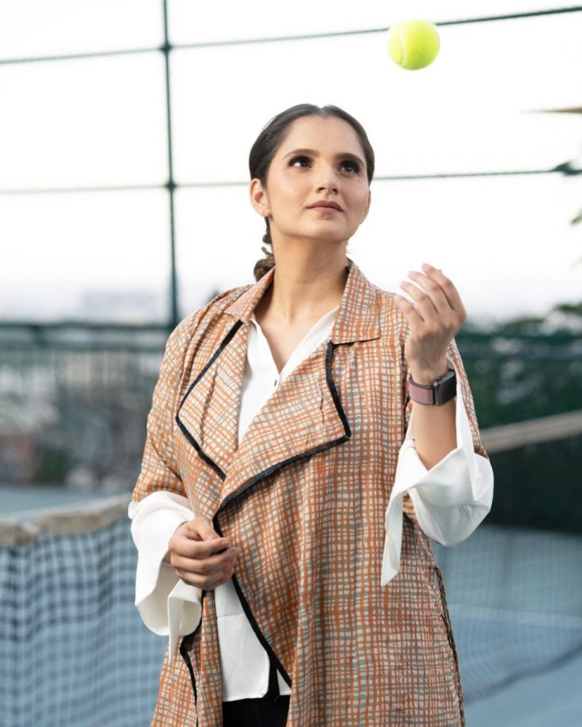 Sania Mirza Giving Chill Vibes In Latest Pictures