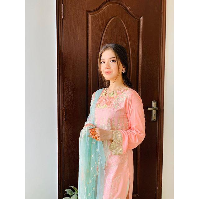 Sara Razi Khan Becomes Mother Of Baby Girl