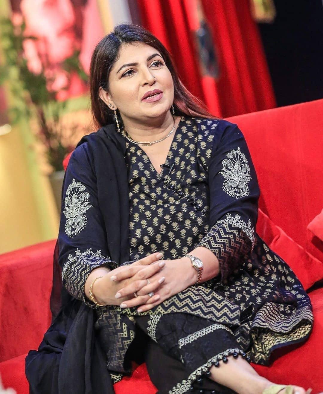 Shagufta Ejaz Clicks on the sets of Bol Nights with Ahsan Khan