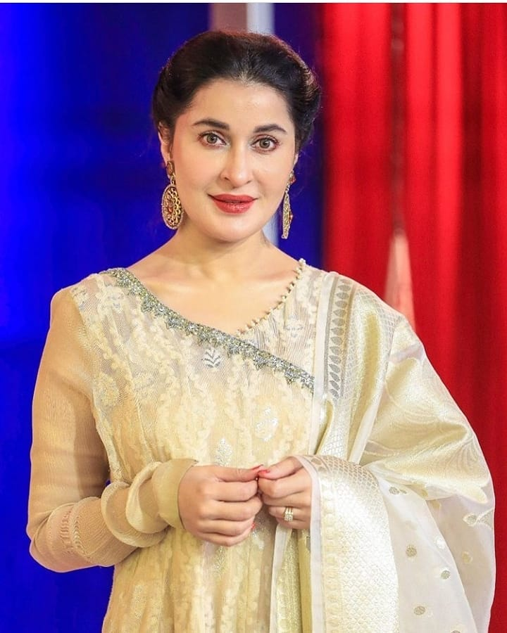 Shaista Lodhi Looks Gorgeous In Latest Pictures