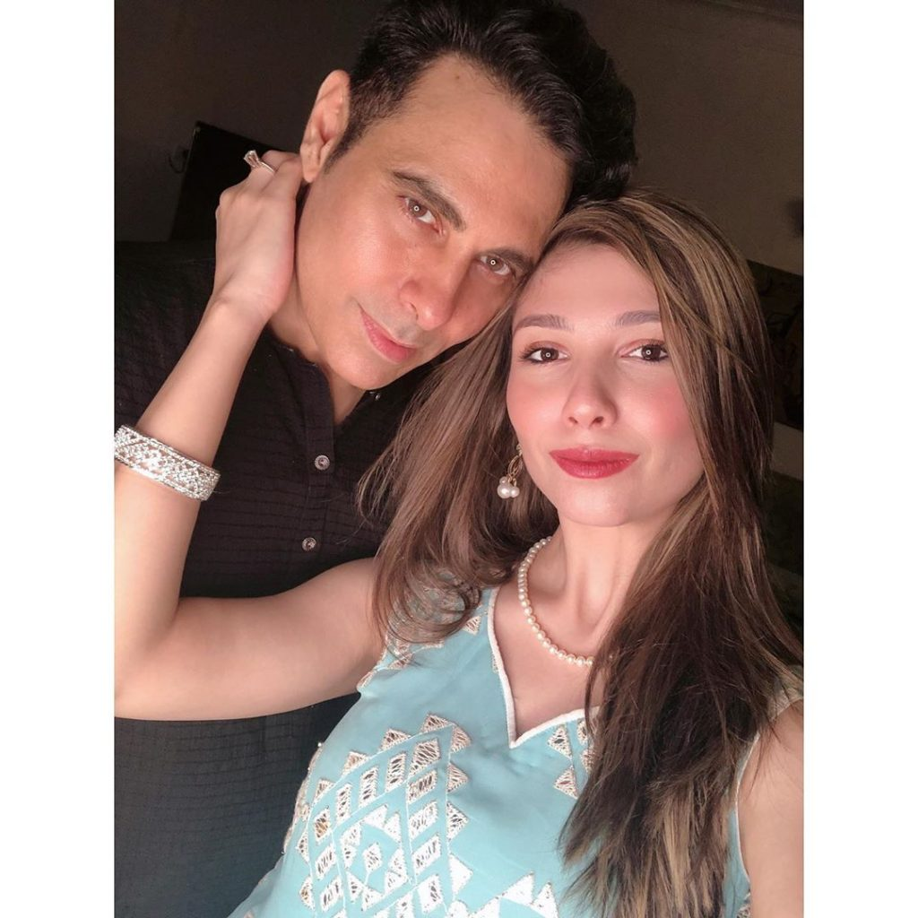 Stunning Eid Pictures Of Haroon Rashid With Wife