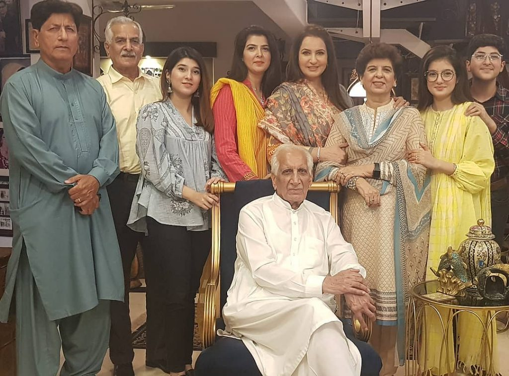 Stunning Eid Pictures Of Saba Faisal's Family