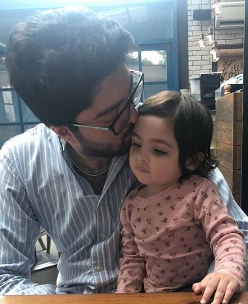Taimur Junaid Jamshed With His Adorable Daughter