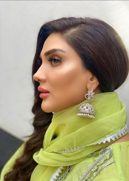 Latest Pictures Of Fiza Ali And Daughter