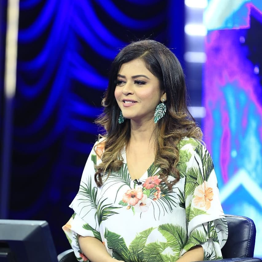 Glowing Pictures of Maria Wasti