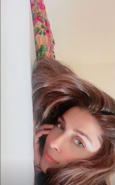 Ayeza Khan Enjoying Saturday Afternoon With Family