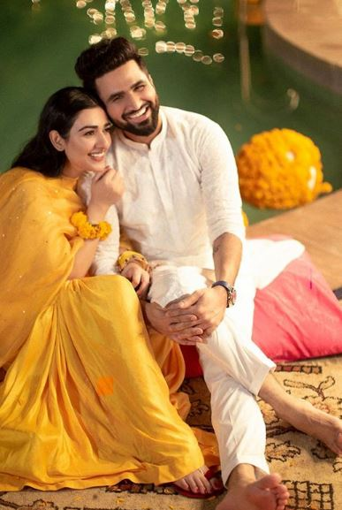 Sara Khan Refuses To Become A Vloger