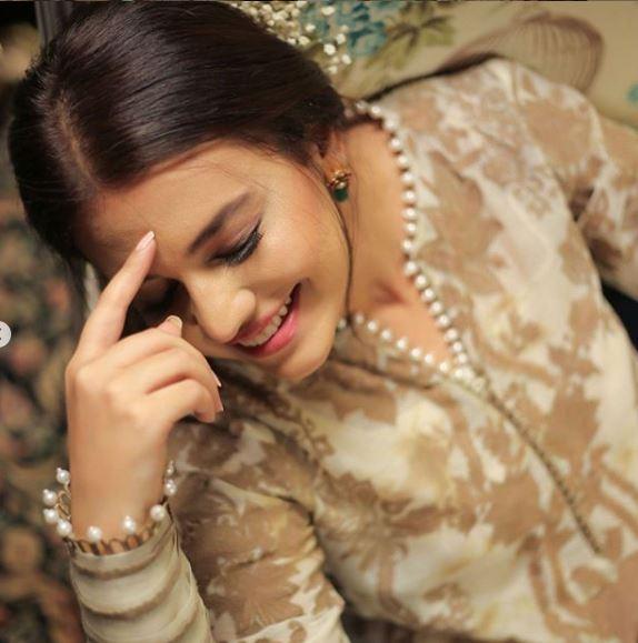 Latest Fashion Shoot Featuring The Elegant Zara Noor Abbas