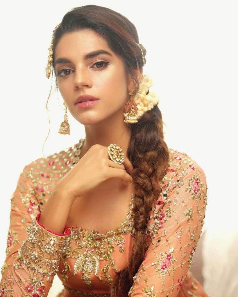 30 Amazing and Bold Pictures Of Sanam Saeed