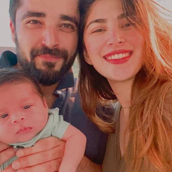 Adorable Video Of Hamza Ali Abbasi With Son