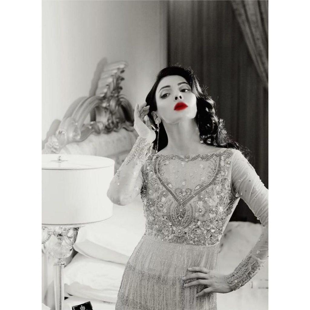 Latest Photo Shoot Of Actress Sara Loren