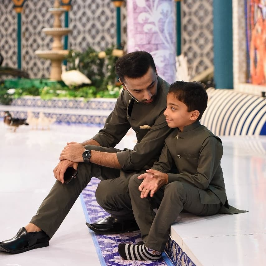 25 Adorable Family Pictures Of Waseem Badami