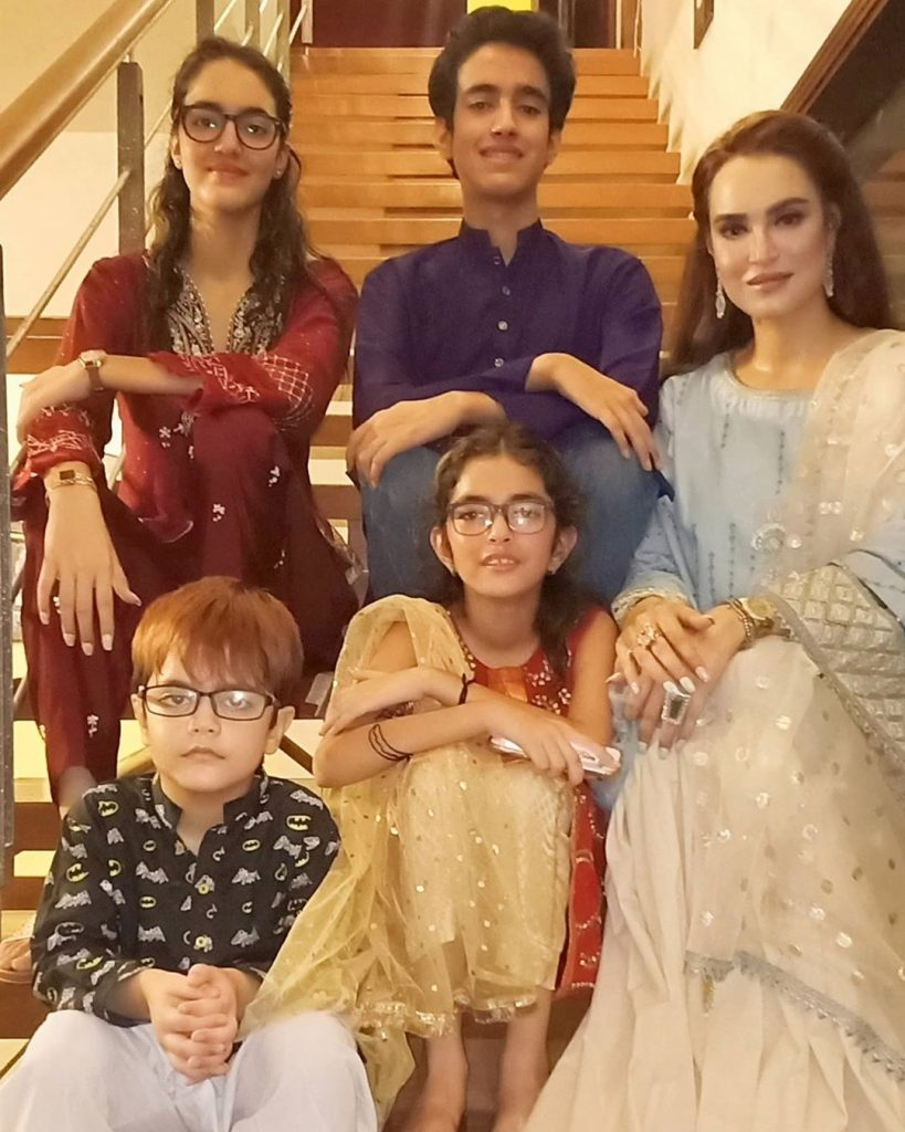 Latest Pictures Of Nadia Hussain With Her Family