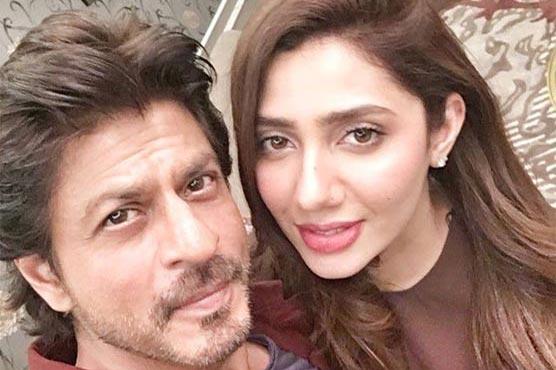 Shining Selfies of Mahira Khan That Are Just Love