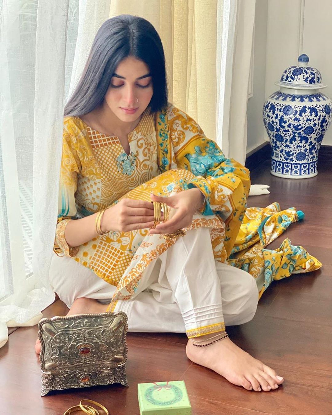 Latest Pictures of Actress Anmol Baloch from her Instagram