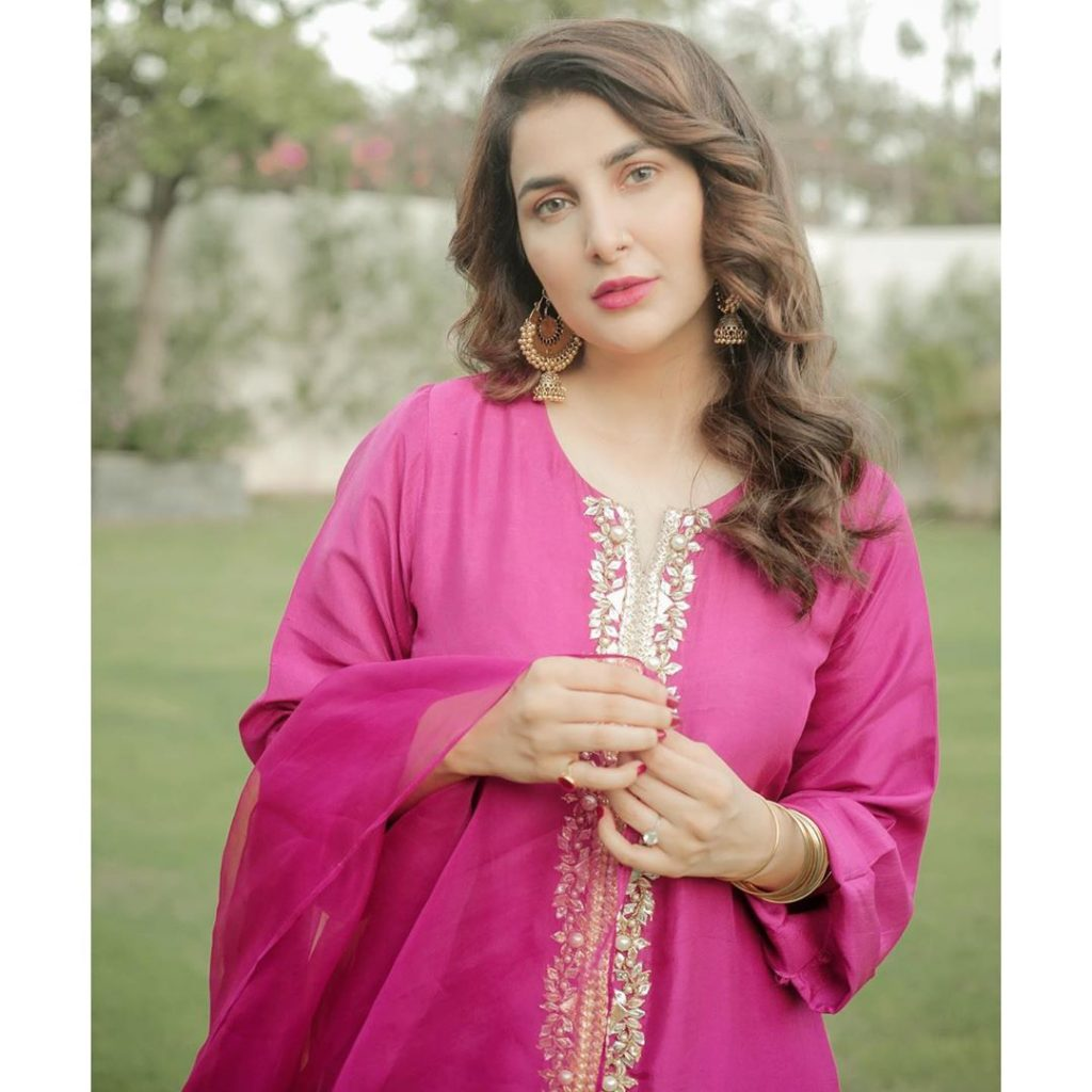 Areeba Habib Points Out Double Standards Of Audience