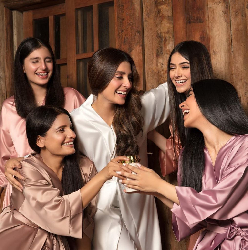 Ayeza Khan With Her Little Sister-Exclusive Pictures