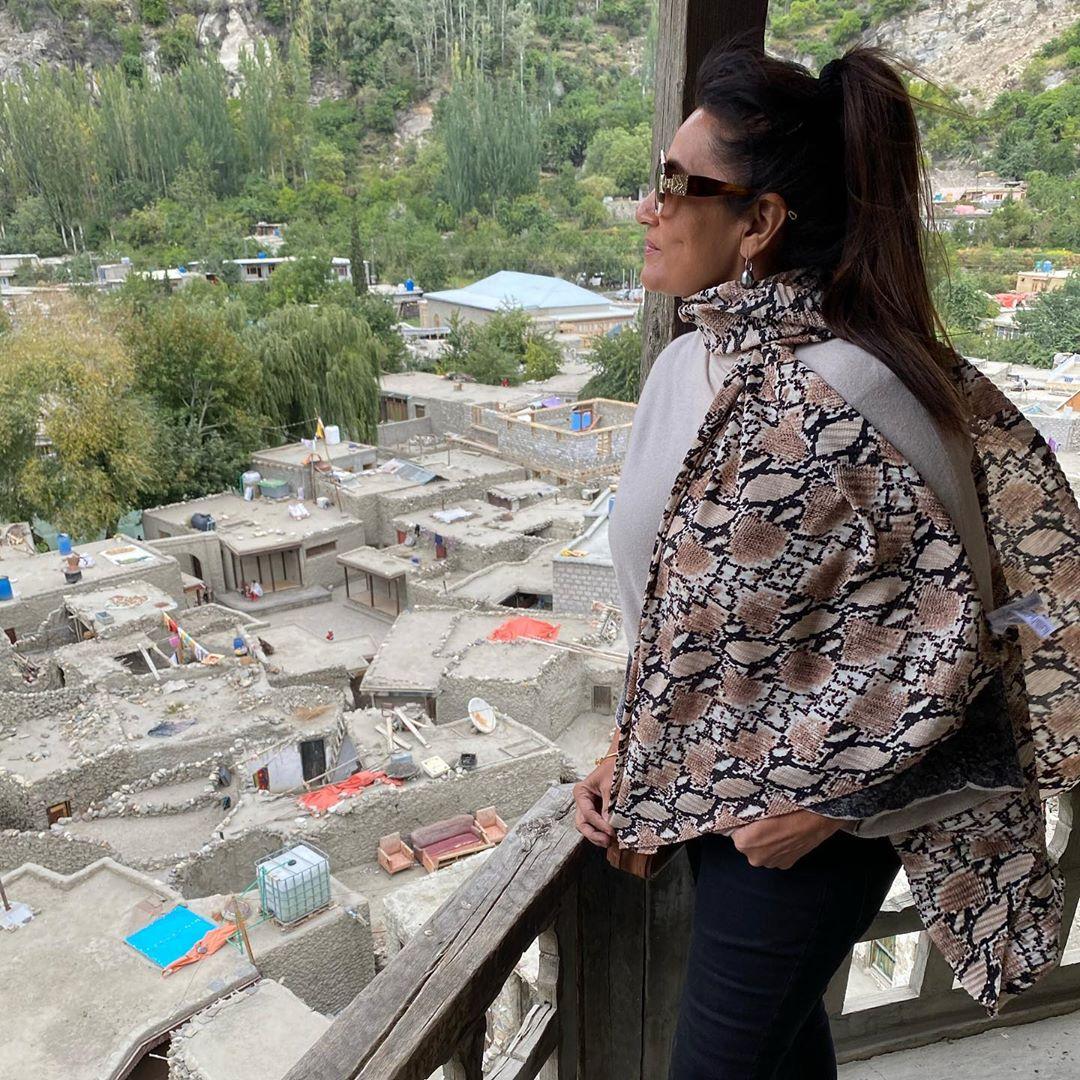Frieha Altaf is Enjoying with Friends in Hunza