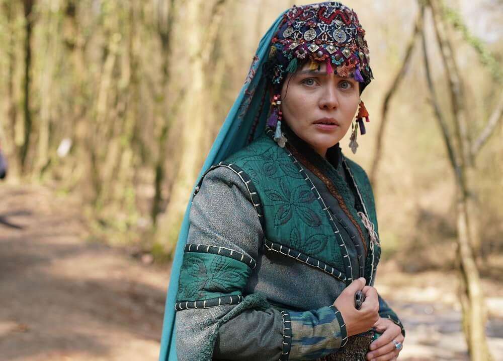 Burçin Abdullah AKA Hafsa Hatun Singing Atif Aslam's Song