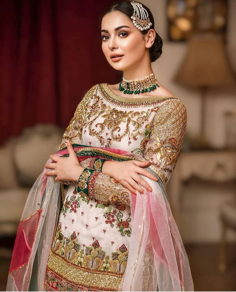 Hania Aamir Looks Like A Dream In Traditional Dress
