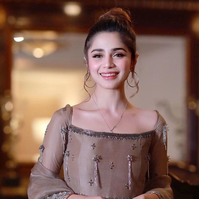 Here Is How Aima Baig Takes Care of Hair Skin And Weight 1