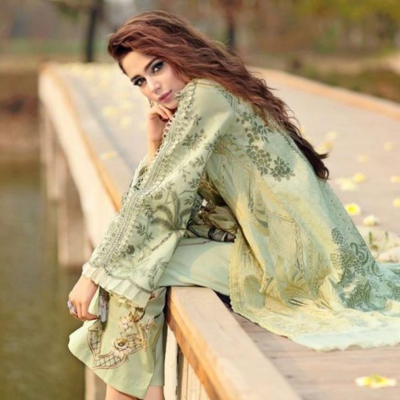 Here Is How Aima Baig Takes Care of Hair Skin And Weight 11