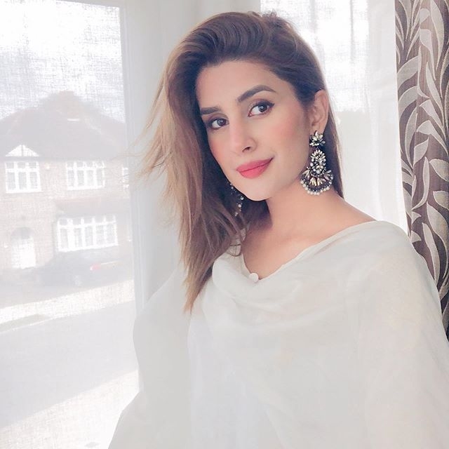 Here Is Video Of Kubra Khan's First Work As Model